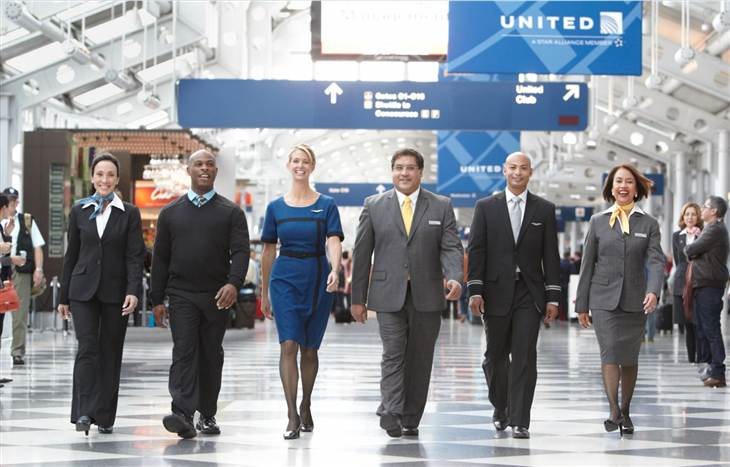United debuted its new fleet-wide uniforms this week, designed based on employee feedback to be solid work-wear, but they drew poor marks from fashion critics.